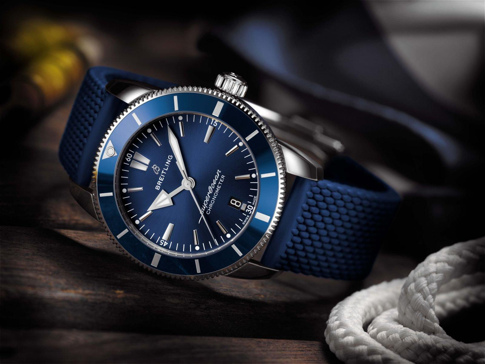 Superocean_Heritage_II_B20_Automatic_44_with_blue_dial_and_blue_Aero_Classic_rubber_strap_KOPIE.jpg